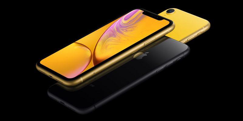 iphone-xr-5120x2880-gold-black-yellow-5k-smartphone-apple-september-20347